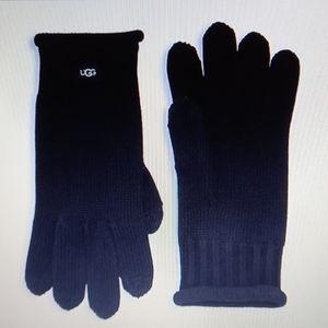 UGG black knit tech gloves NWT
